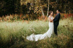 Les couples de Fairbanks et l'industrie du mariage s'adaptent aux changements pour la saison été 2020