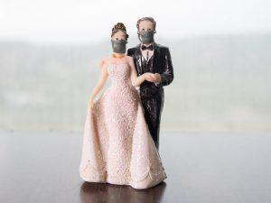 Séances de photos sur FaceTime et une cérémonie Zoom: Comment célébrer la date de votre mariage annulé en lockdown
