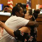 Assistez à la deuxième cérémonie de mariage depuis la pandémie de coronavirus dans la salle d'audience de Cleveland Municipal (photos, vidéo)