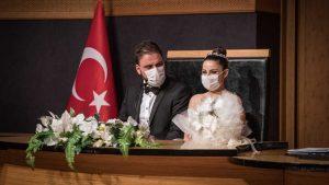Les Turcs ont du mal à se marier à l'époque du coronavirus