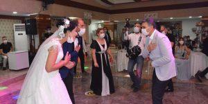 Les mariages menacent les progrès du coronavirus en Turquie