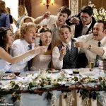 Les vrais crasheurs de mariage partagent leurs conseils pour se faufiler dans les événements somptueux