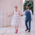 Un micro-mariage discret au Jefferson Memorial