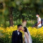 Pas de masque, pas de distance: horreurs de mariage pandémiques pour les vendeurs