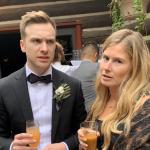 Les nouveaux mariés font une découverte surprenante sur la pellicule après la fête de mariage: « Passer un moment misérable »