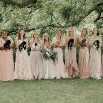 Les «bouquets de chiots» au mariage font adopter les chiots