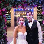 Quelles sont les règles d'un mariage pandémique? Cela dépend de qui vous demandez