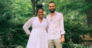 Un chanteur de Philly rend hommage aux mariages virtuels du coronavirus