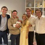 Camilla Blandford révèle les parrains du nouveau-né et présente Olympia au duc de Marlborough