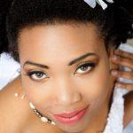 Conseils professionnels pour faire durer votre maquillage de mariage pandémique