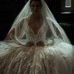 Des robes de mariée tendance qui modernisent la mariée en infusant la technologie