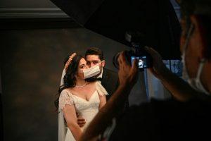 Le virus entaille de gros mariages turcs