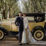 La mariée portait un voile de velours et montait dans une calèche pour son mariage en Argentine