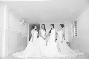 L'histoire remarquable derrière ces robes de mariée
