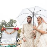 MARIAGE Drive-in! 250 invités regardent les mariés se marier depuis leur voiture