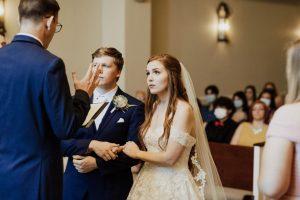 «Cela nous a donné la permission de célébrer le mariage que nous voulons»: au milieu de la fatigue pandémique, les couples optent pour des cérémonies plus petites dans la cour | Nouvelles