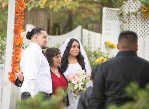 Dans une année difficile pour les mariages, un petit jardin à Chesterfield passe un moment