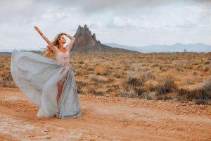 La créatrice de robes de mariée de Rye fabrique des robes de signature, dit d'annuler le report, mariez-vous maintenant | Mode de vie