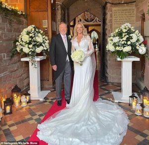 Michelle Mone, 49 ans, achète un cheval de 80 000 £ comme deuxième cadeau de mariage à Doug Barrowman, 55 ans