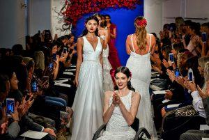 Robes de mariée THEIA par saison