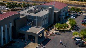L'église de Rocklin CA prévoit un mariage, soulevant des inquiétudes concernant le COVID-19