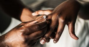 L'Ouganda peut-il aider l'Afrique à briser l'emprise de l'Église sur les mariages? – OZY