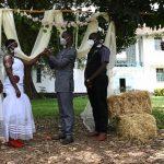 Le coronavirus arrête les plans de mariage en Afrique   Afrique   DW
