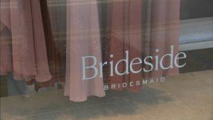 Les clients de la région de Chicago disent que la boutique de mariée Brideside a fermé ses portes sans émettre de robes de mariée ni remboursements