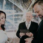 Couple de mariage à destination pour un igloo au centre-ville d'Omaha | Nebraska