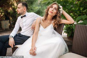 La mariée est critiquée pour avoir abandonné sa sœur de sa fête de mariage après avoir pris du poids en lock-out
