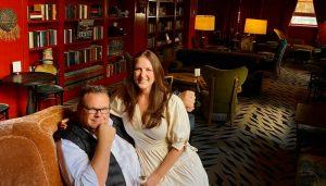 Le chef étoilé de Houston et sa fiancée s'envolent à NOLA pour un mariage intime