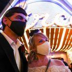 Vœux à Vegas: les couples qui se nouent ici donnent un coup de pouce indispensable au business du mariage