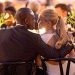 Des invités sont venus du monde entier pour ce mariage élégant et moderne (pré-Covid) dans le nord de la Californie