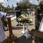 Au milieu des rumeurs d'expulsion, un couple de sans-abri d'Echo Park se marie