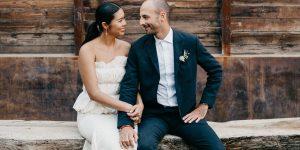 Ce créateur de bijoux a opté pour un mariage sans chichi et tout à la mode à Baja