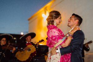Entrez dans l'ère du «micro mariage»: à l'intérieur de quatre petites célébrations avec de grandes (énormes!) Histoires d'amour