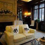 Les couples et les vendeurs de mariage pleins d'espoir face aux nouvelles directives à New York