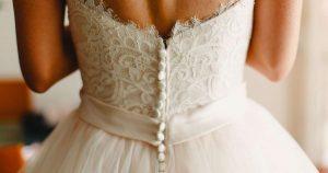 Robes de mariée et accessoires très appréciés sur Etsy
