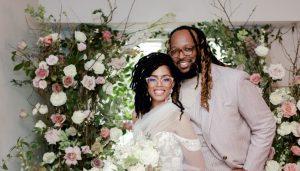 Un couple de Houston traverse une tempête hivernale avec une cérémonie de mariage intime