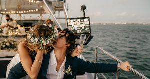Un guide pour porter un toast de mariage virtuel