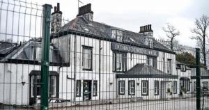 La mariée écossaise dévastée dit qu'elle était « rassurée » que le mariage aurait lieu malgré les plans de démolition du lieu