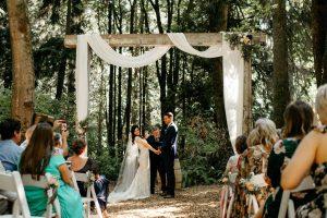 Rencontrez Matthew Thuney: Officiant Behind 'Weddings With Spirit & Wit'