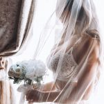Holly Hagan confirme qu'elle a reporté son mariage à Ibiza jusqu'en 2022