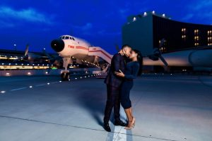 Jahira et Chad ont tué leur séance photo de fiançailles. Suivant? Un mariage de juin.