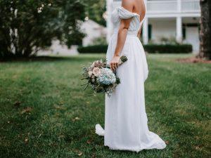 Reddit Bride a fixé une date de mariage sans enfant le jour de l'anniversaire de sa nièce – SheKnows