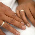 """"""" Un autre niveau de stress """": les couples s'inquiètent des tests COVID-19 avant l'événement pour les invités au mariage selon de nouvelles règles"""