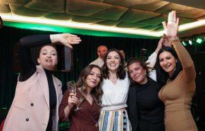 Une soirée pilote de mariage post-Covid en Croatie avec 130 invités sans masque