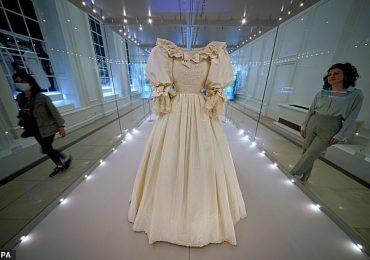 La robe de mariée de la princesse Diana est exposée au palais de Kensington