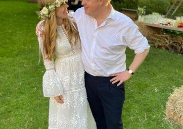 Loueriez-vous votre robe de mariée? Les sites Web de location de robes proposent des robes de créateurs comme celles de Carrie Johnson